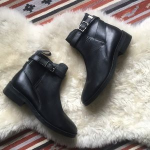 TOPSHOP FLAT SIDE BUCKLE BOOTS